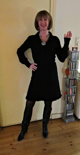 An in-between-post of another black outfit: a dress