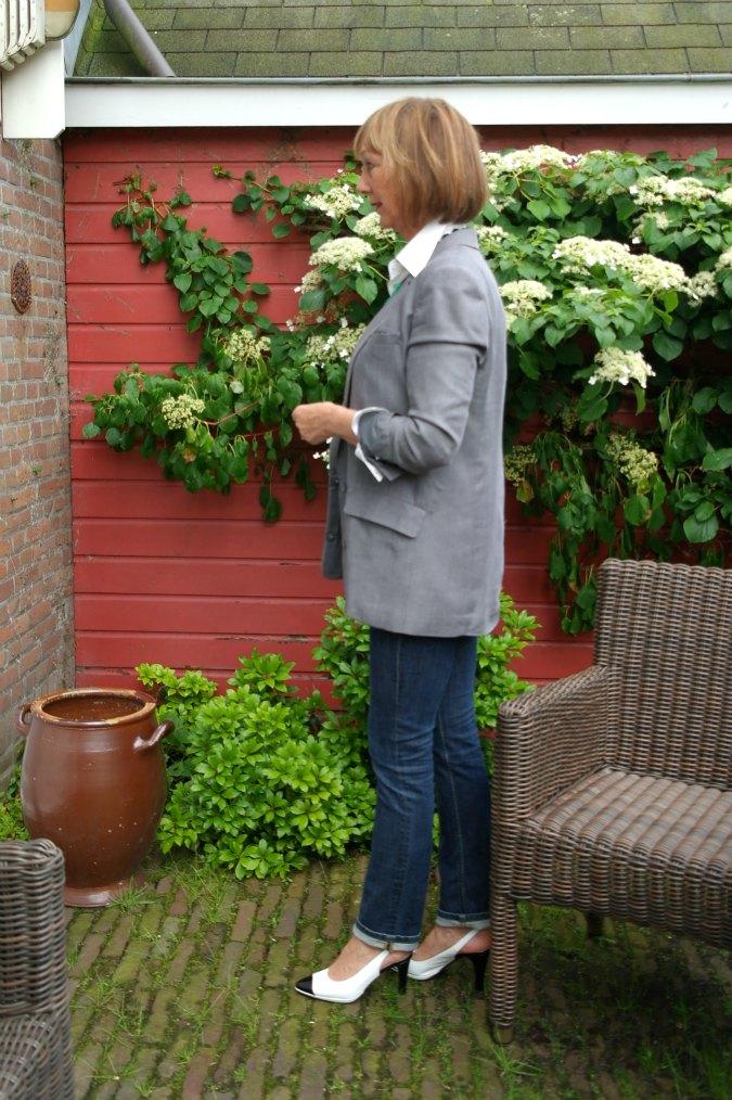 Grey boyfriend jacket a la Style Confessions 4