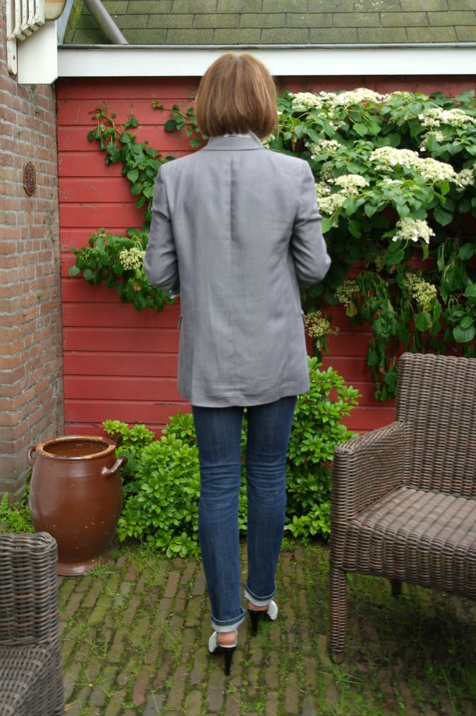 Grey boyfriend jacket a la Style Confessions 5