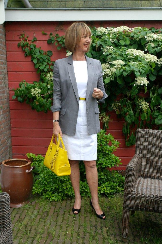 Grey boyfriend jacket a la Style Confessions 8