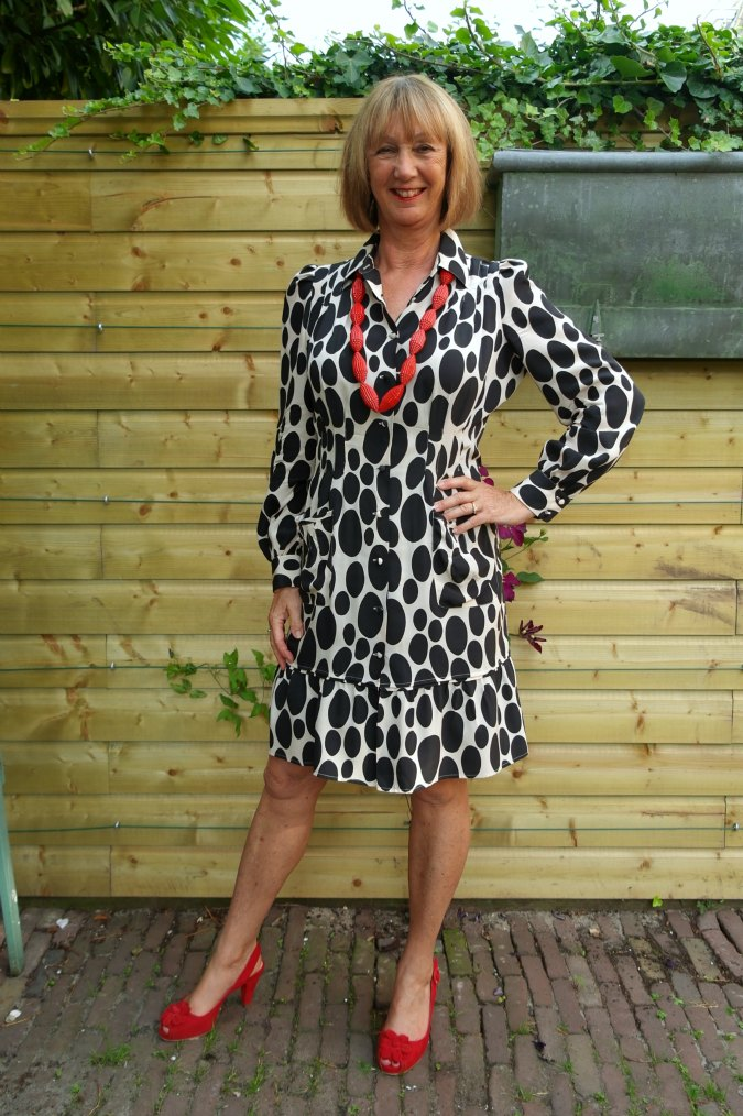 Oval polka dot summer dress 1