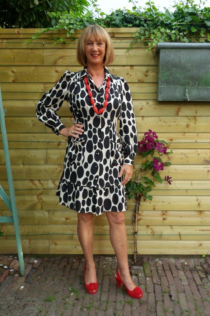 Oval polka dot summer dress 2