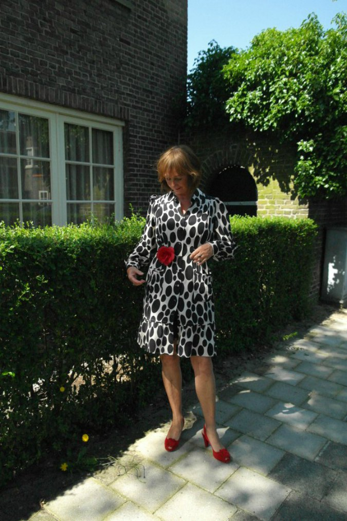 Oval polka dot summer dress 6