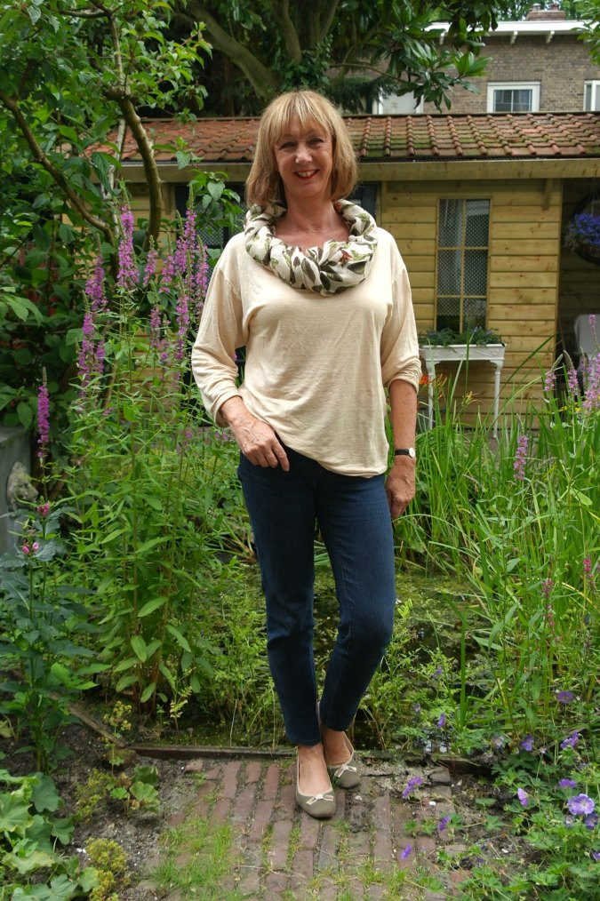 jeans, corn colour T-shirt and scarf 1
