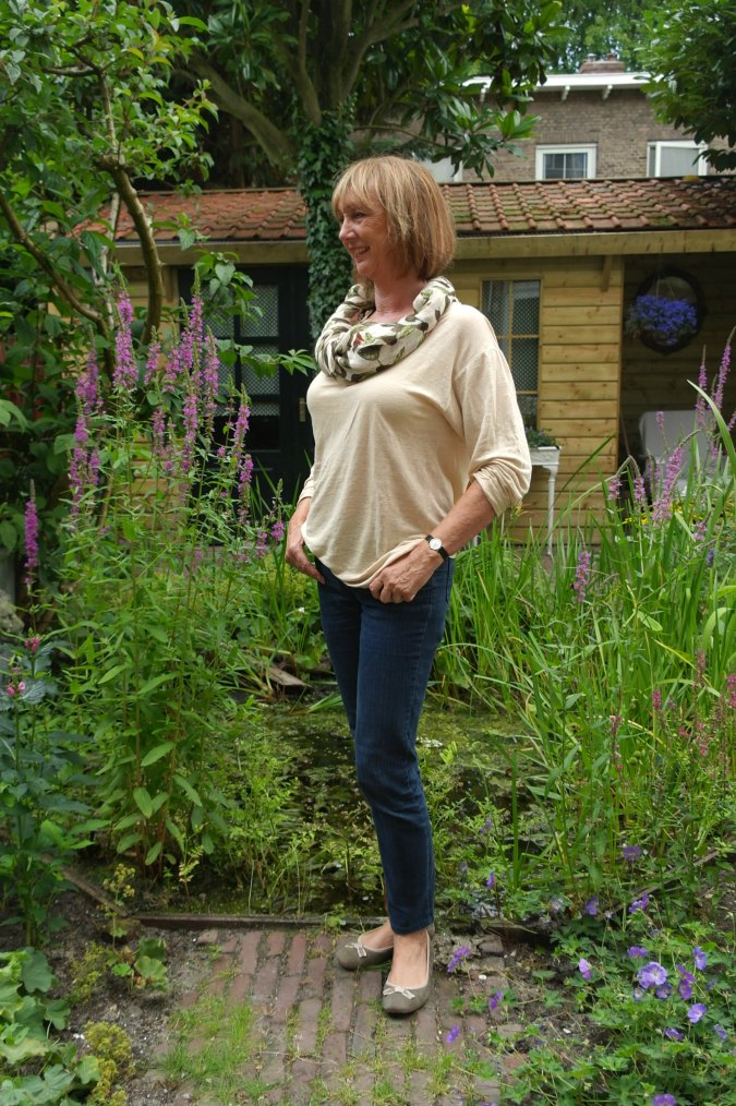 jeans, corn colour T-shirt and scarf 4a