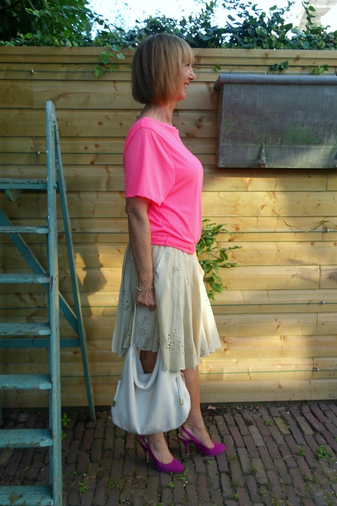 Pink T-shirt and gold silk skirt 2