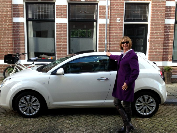 New car en leopard in outfit 5