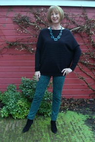 Max Mara skinnies with teal necklace 1a