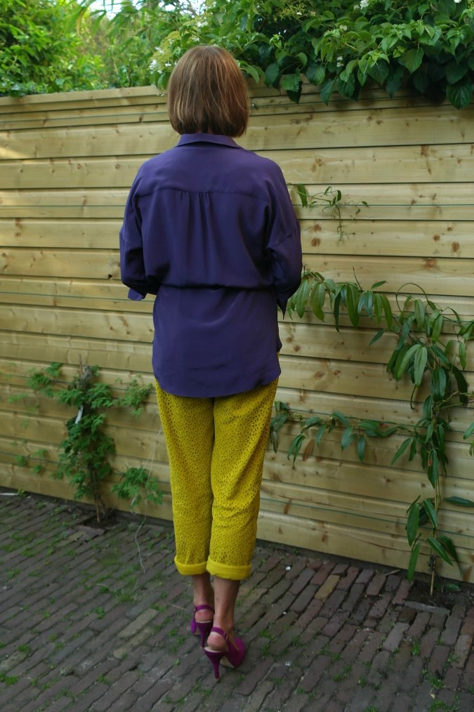 Yellow ochre trousers with purple top 3