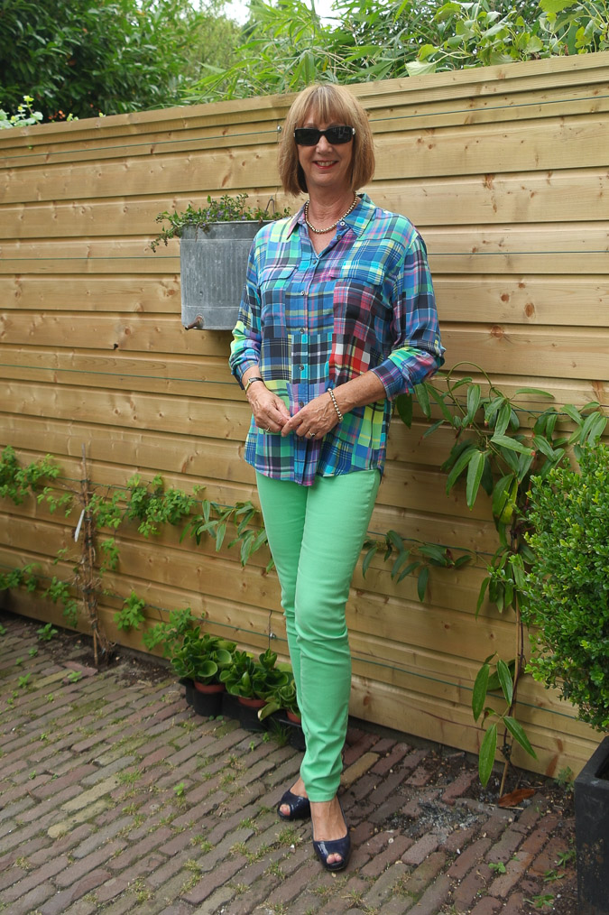 Checked blouse with skinnies 009_LR