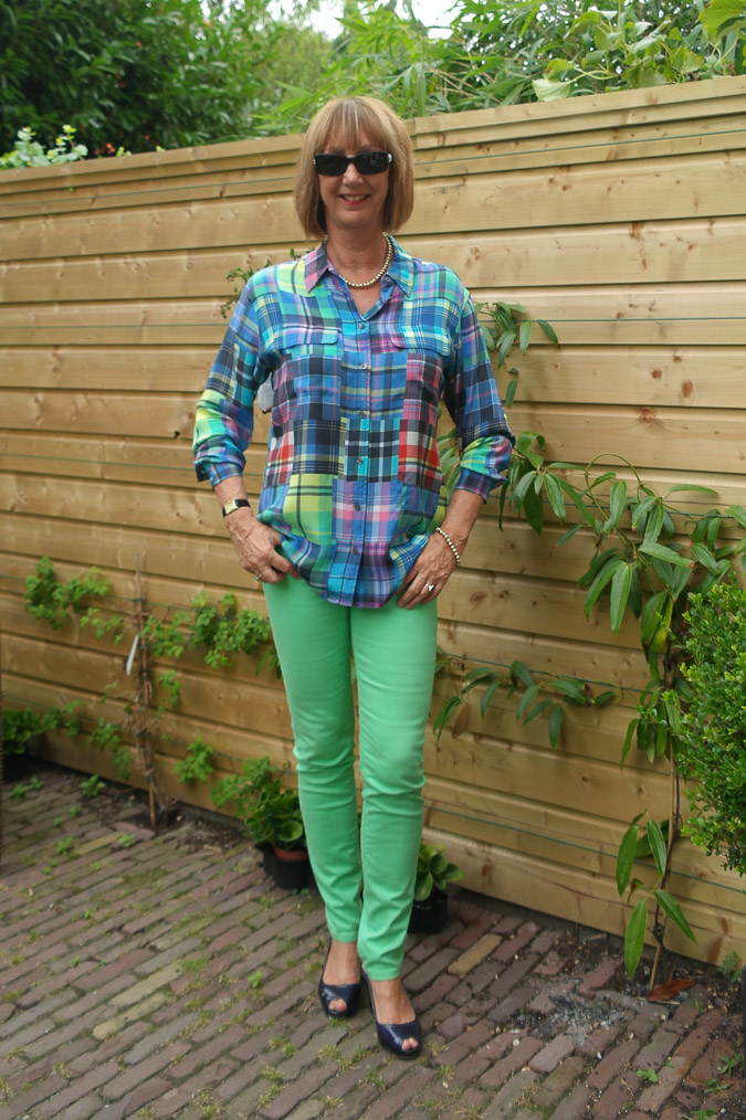 Checked blouse with skinnies 014_LR