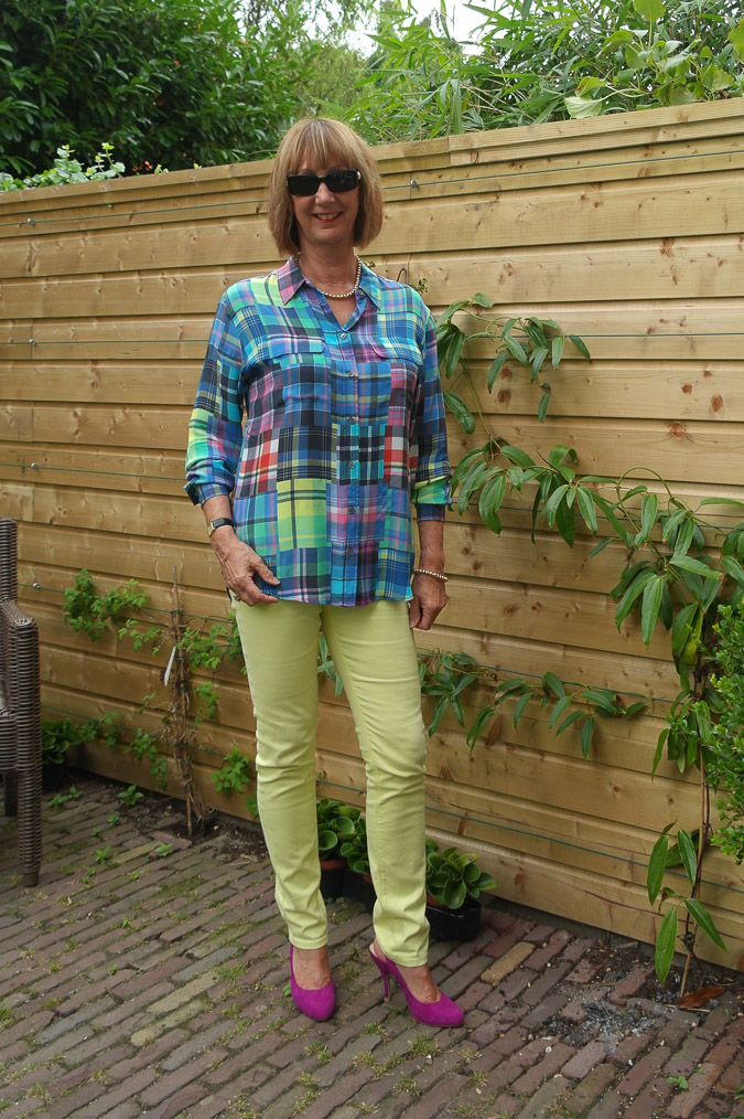 Checked blouse with skinnies 023_LR