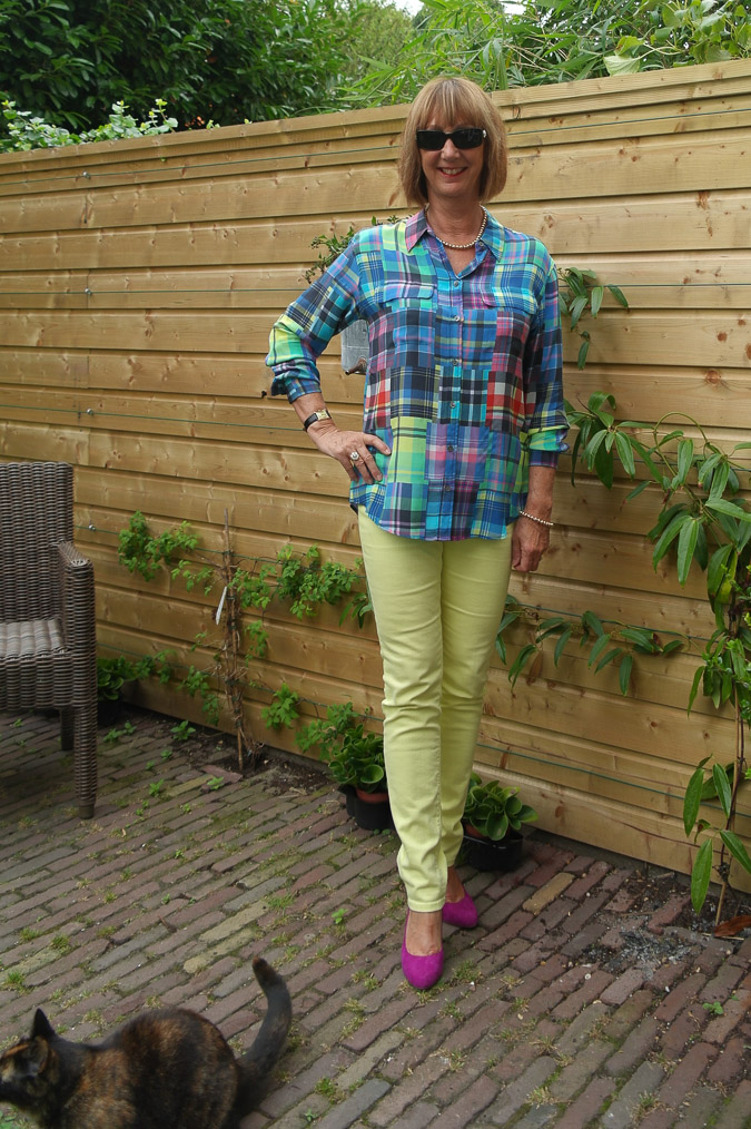 Checked blouse with skinnies 025_LR