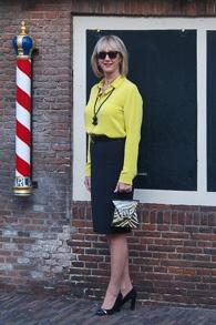 Black pencil skirt and lime blouse both Max Mara (1 van 1)