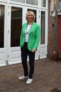 Green jacket with boyfriend jeans (1 van 1)