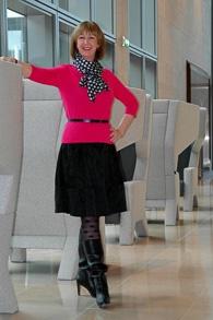 Pink sweater black wide skirt (1 van 1)