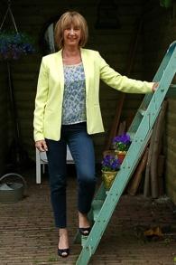 Yellow summer jacket 2_LR