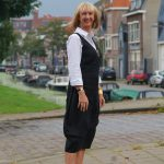 Black linnen dress with booties