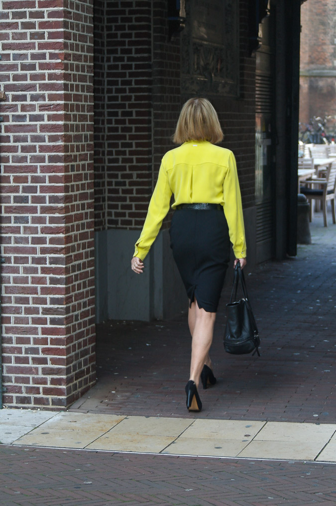 Black pencil skirt with lime blouse (2 van 32)