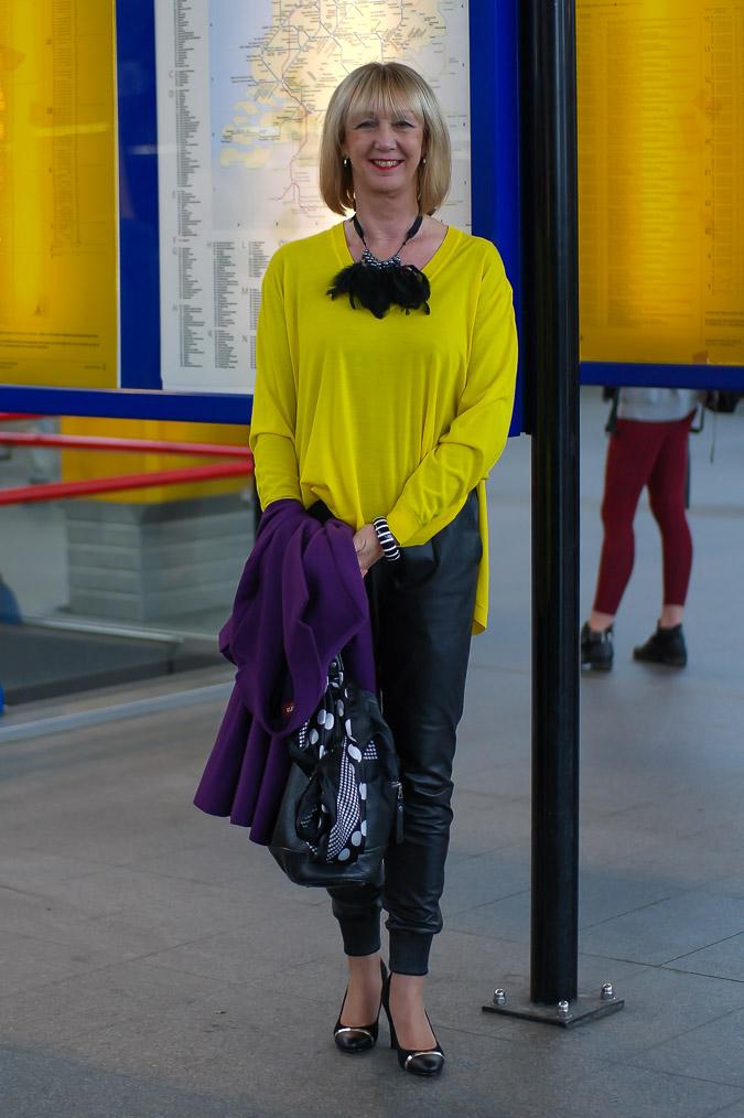 Yellow Kenzo sweater black leather trousers (18 van 20)