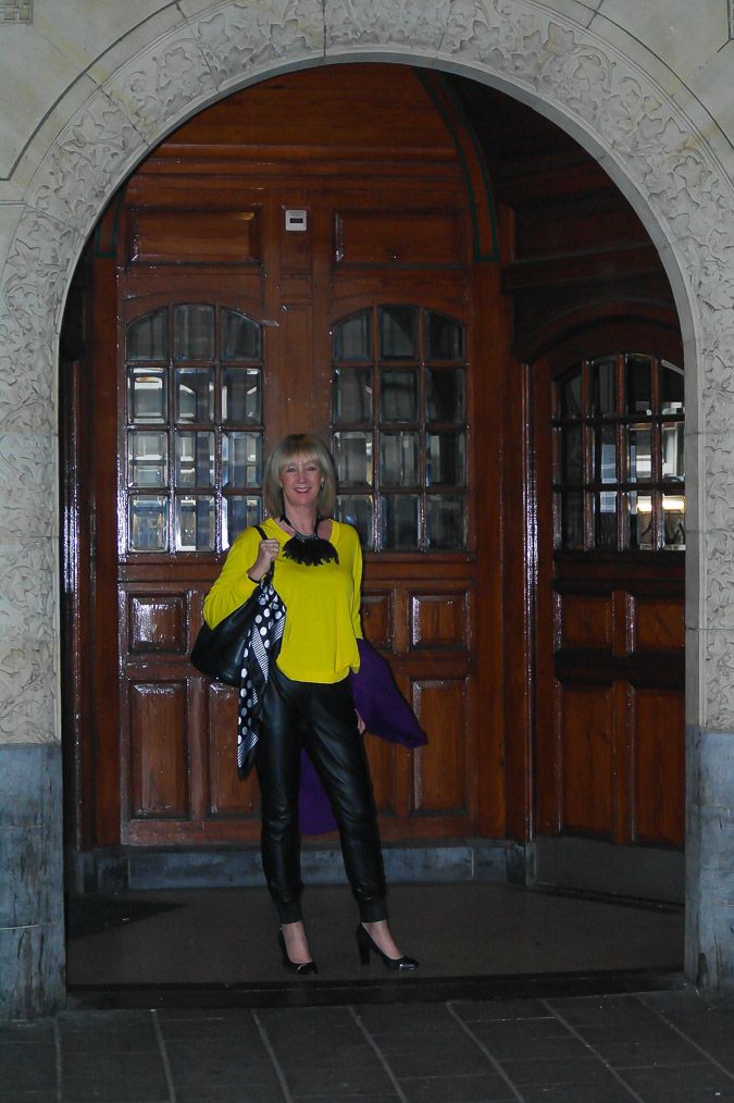 Yellow Kenzo sweater black leather trousers (2 van 20)