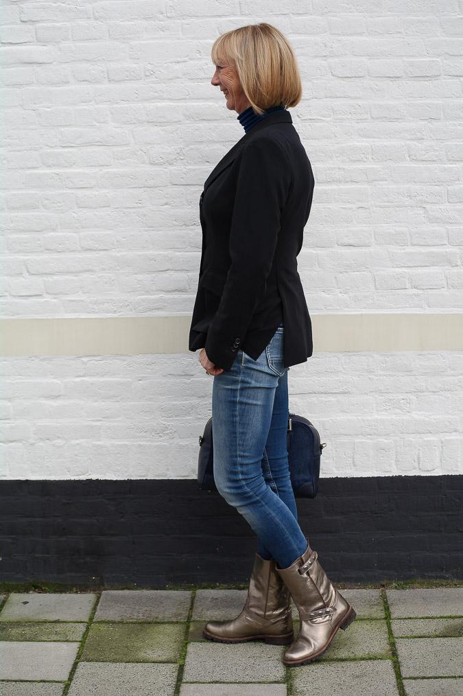 Golden boots, black Pauw jacket and skinny jeans (1 van 7)
