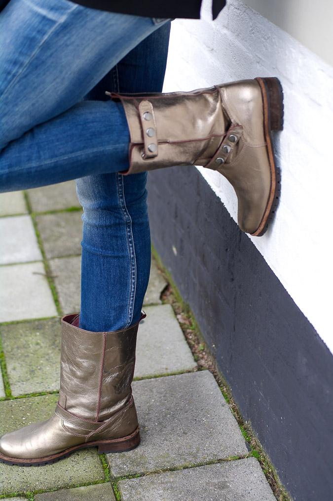 Golden boots, black Pauw jacket and skinny jeans (7 van 7)