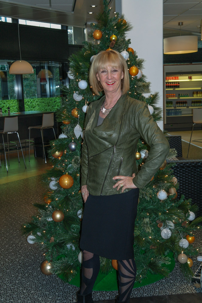 Green leather jacket with pencil skirt (1 van 1)