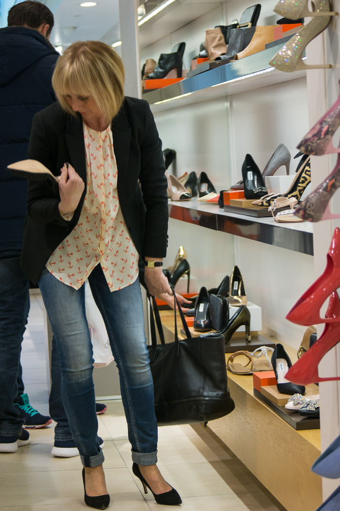 Bijenkorf shoe price (1 van 1)