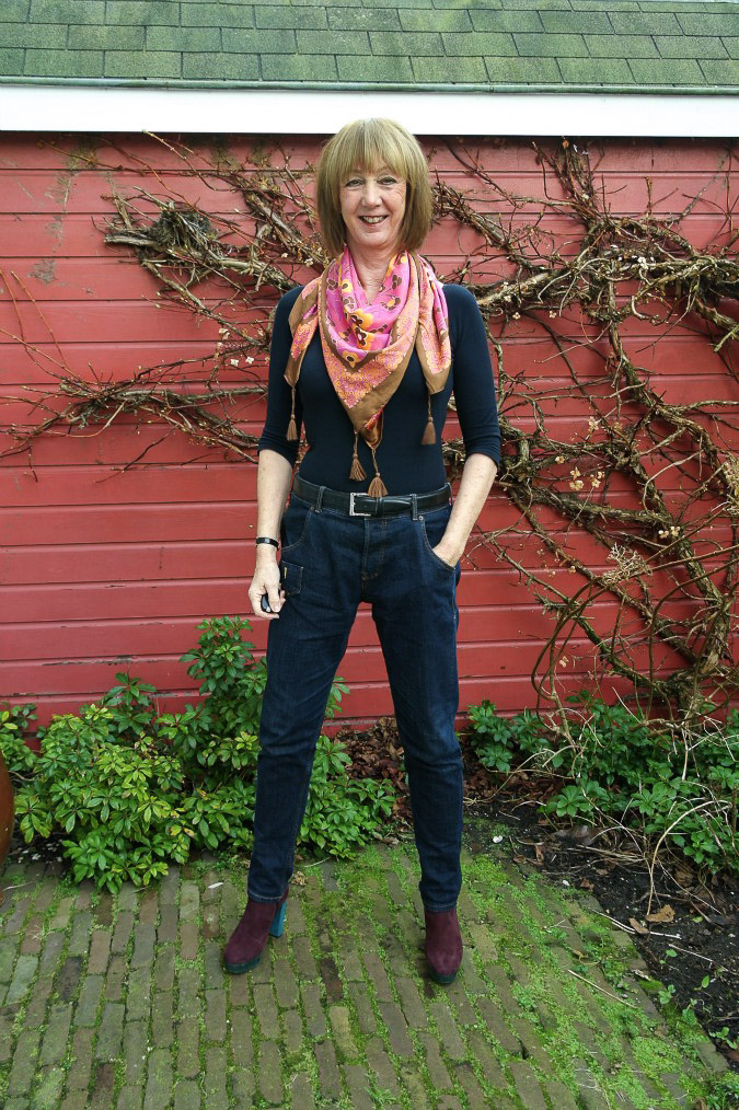 Boyfriend jeans with scarves (1 van 4)