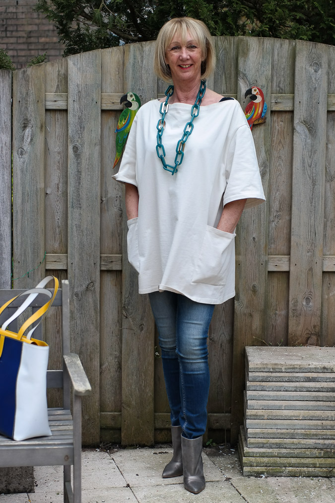 Acne tunic skinny jeans and golden boots (1 van 9)