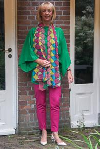 Green silk tunic, fuchsia trousers, pink slingbacks Max Mara