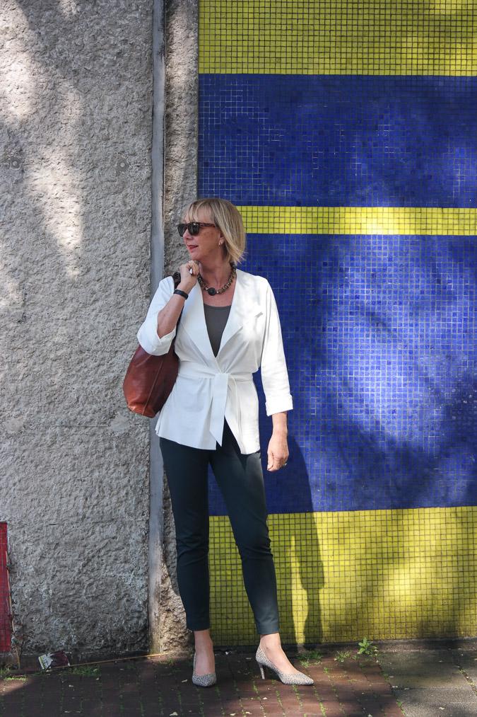 Irie Wash jacket, Marlene Birger trousers, Panara shoes (4 van 11)