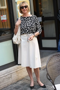 cream skirt, black and white jumper both Marella (1 van 1)