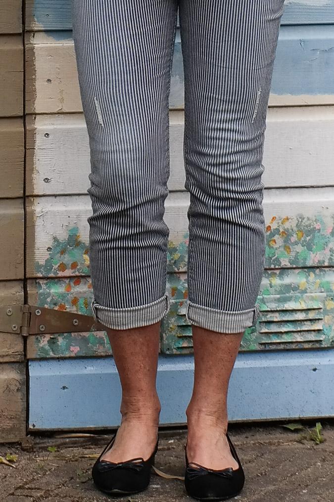 Blue and white striped capri (1 van 1)