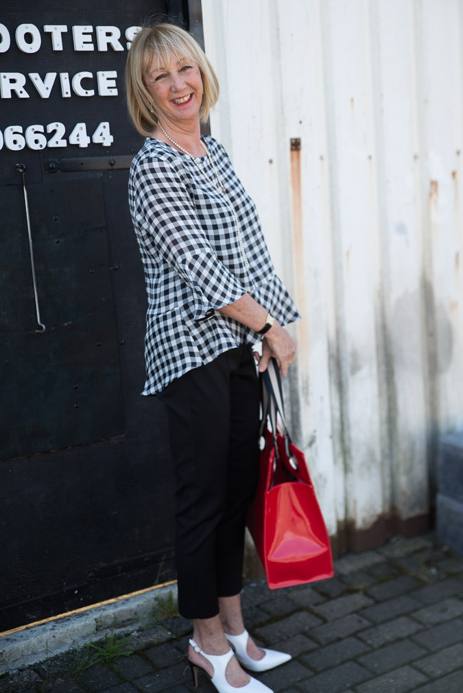Checked black and white top and black trousers Marella (6 van 7)