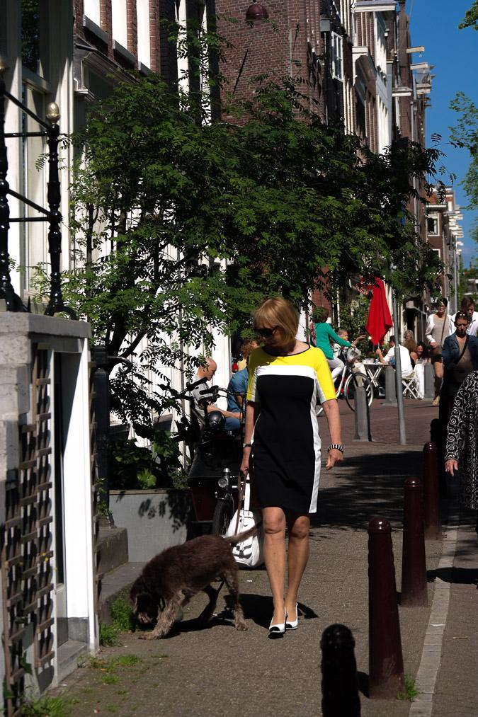 Yellow, black and white dress (7 van 22)