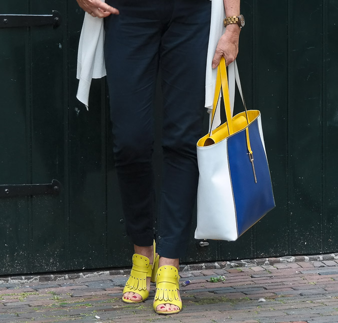 Cardigan Max Mara and yellow sandals (1 van 1)