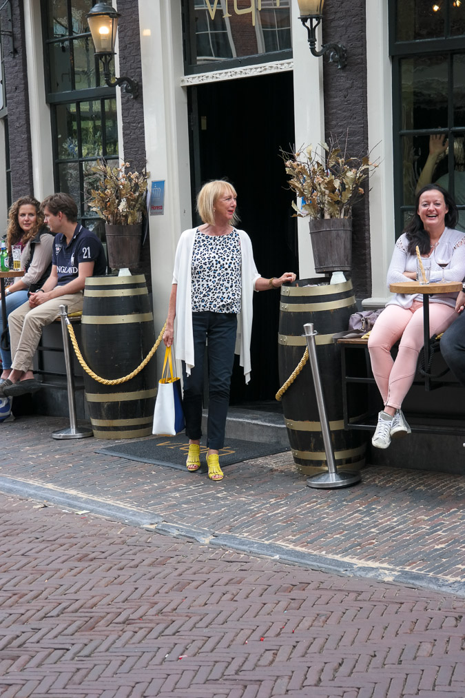 Cardigan Max Mara and yellow sandals (8 van 12)