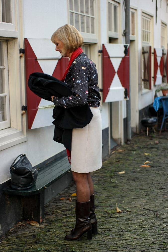 Cream A line skirt with eye blouse (2 van 11)