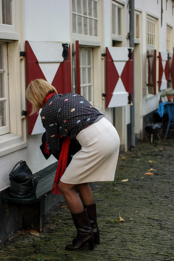 Cream A line skirt with eye blouse (3 van 11)