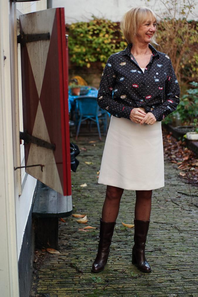 Cream A line skirt with eye blouse (8 van 11)