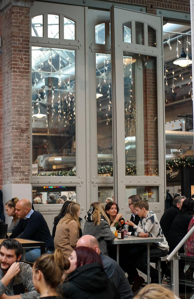 Foodhalls high ceiling