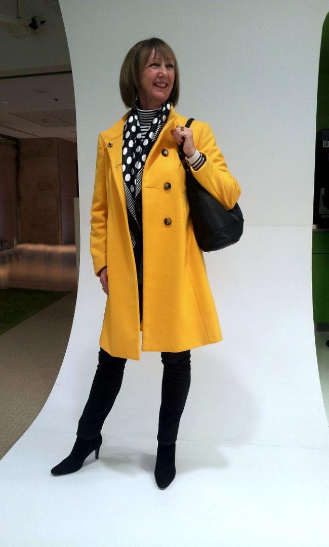 Yellow coat thirfted (Benetton)