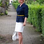 Elegant styling of a pencil skirt