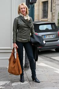 Green leather jacket, black skinnies and tan shopper