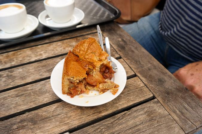 Amsterdam Noordermarkt Winkel apple cake