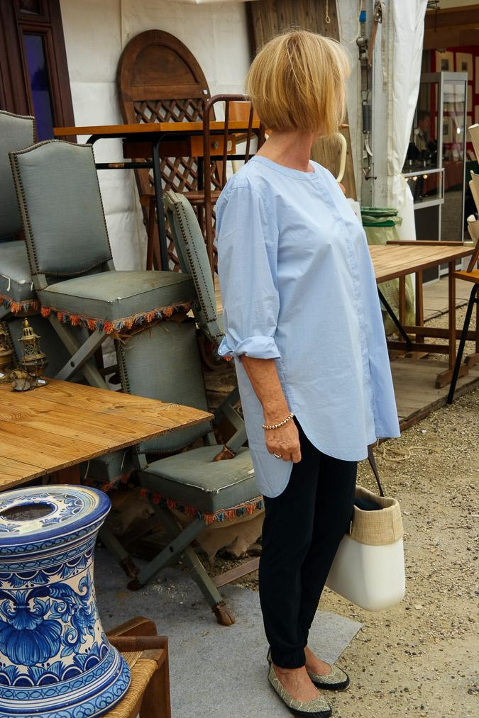 Blue high low shirt and marine trousers, Obag