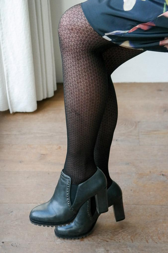 shooties and black tights