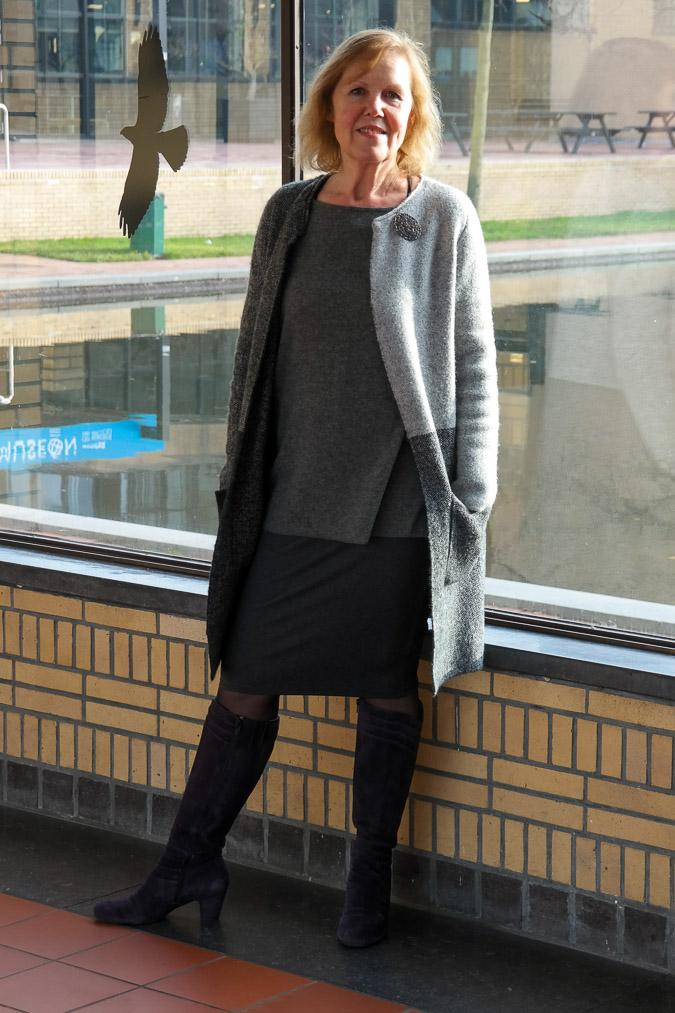 Marjolein in grey